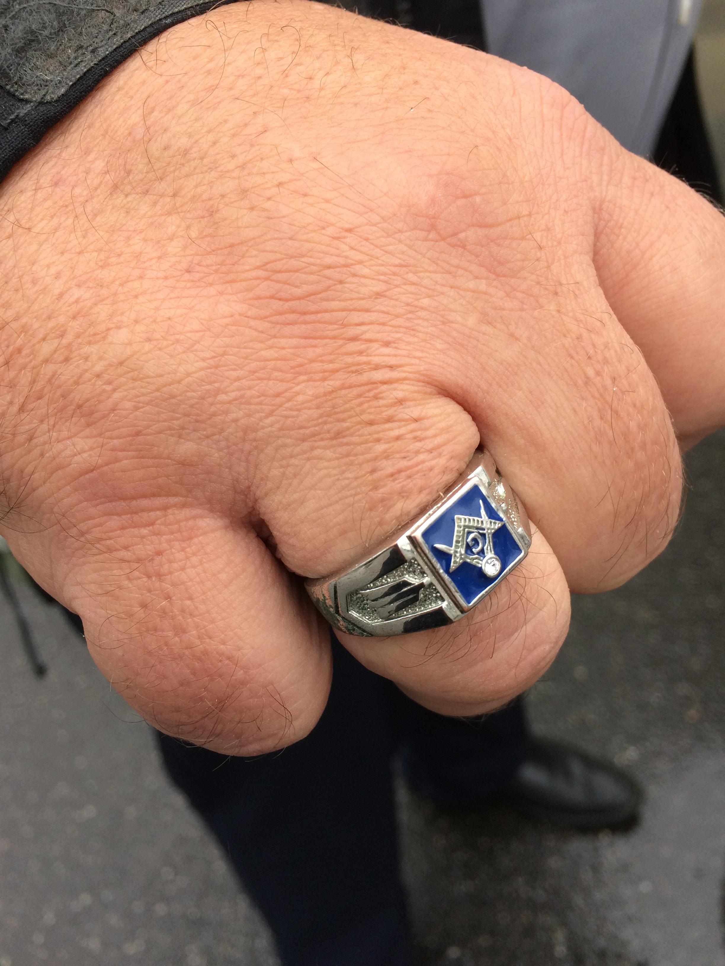 Warren's ring